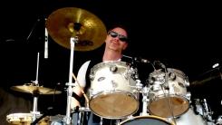 David à la batterie